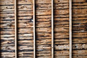 Ile waży drewno konstrukcyjne?